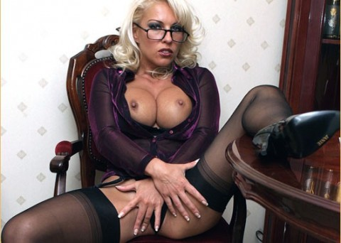 lana-cox-nylon-stockings-fetish