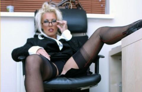 lana-cox-nylon-stockings-fetish