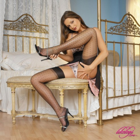 like-legs-nylon-stockings-masturbation