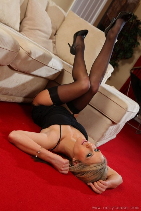 only-tease-nylon-stocking-babes