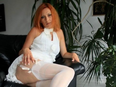nylon-stockings-vixen
