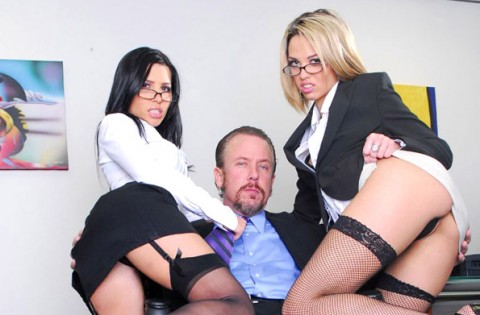 secretary-nylon-stockings-rebecca-linares-jenny-hendrix