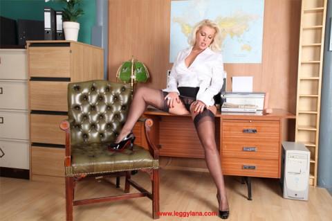 nylon-stocking-sex-lana