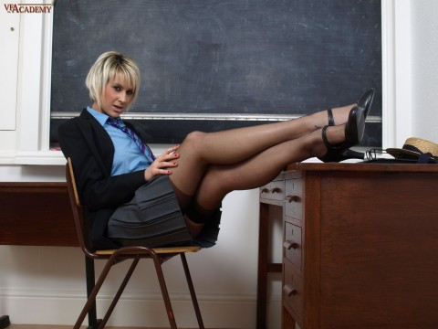 nylon-stockings-schoolgirl-jessica-lloyd