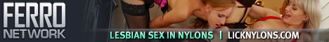 lesbian-babes-nylon-stockings