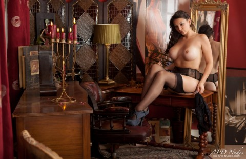 nylon-stockings-sophia-parker